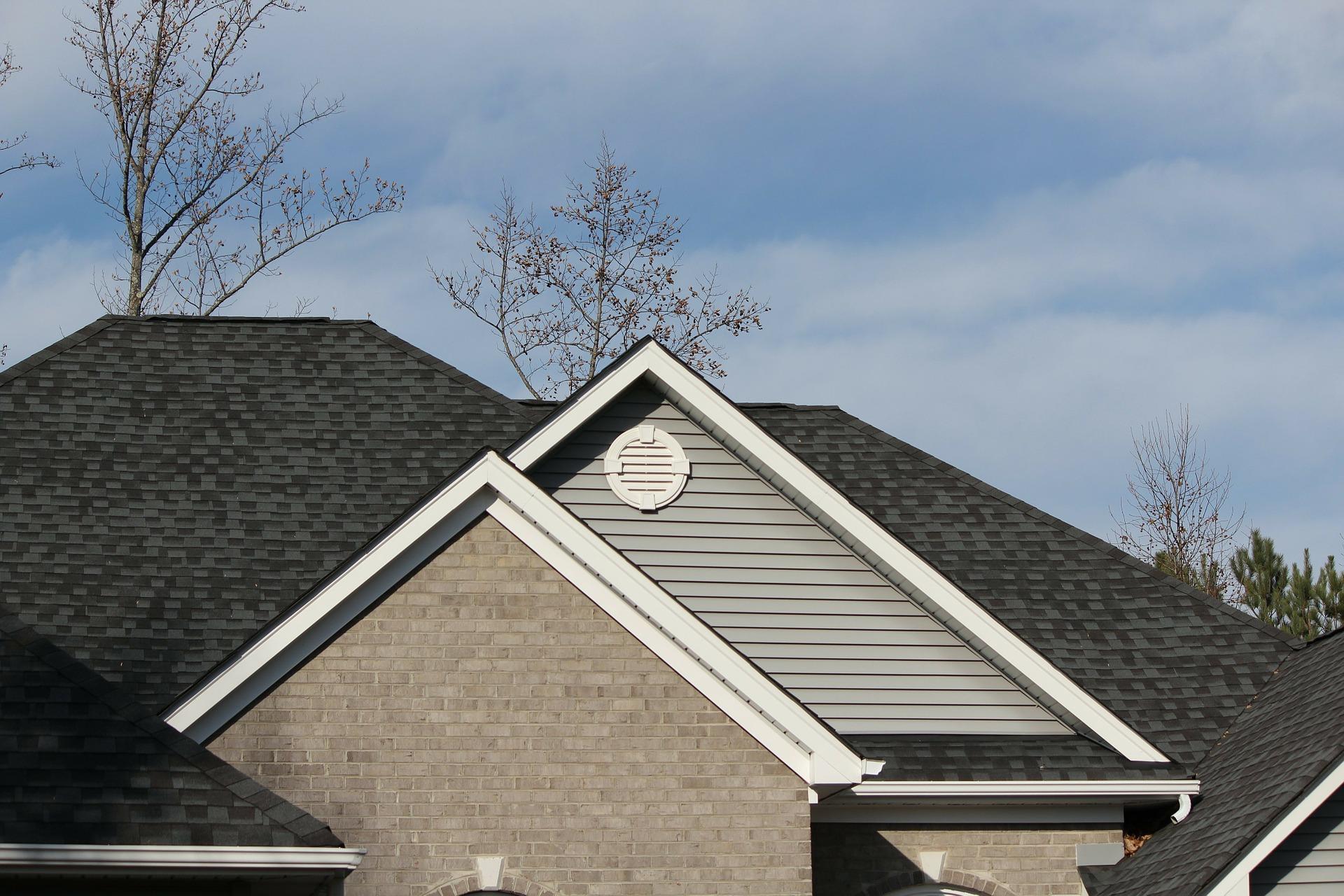 mantenimiento de tejados en una vivienda vacacional