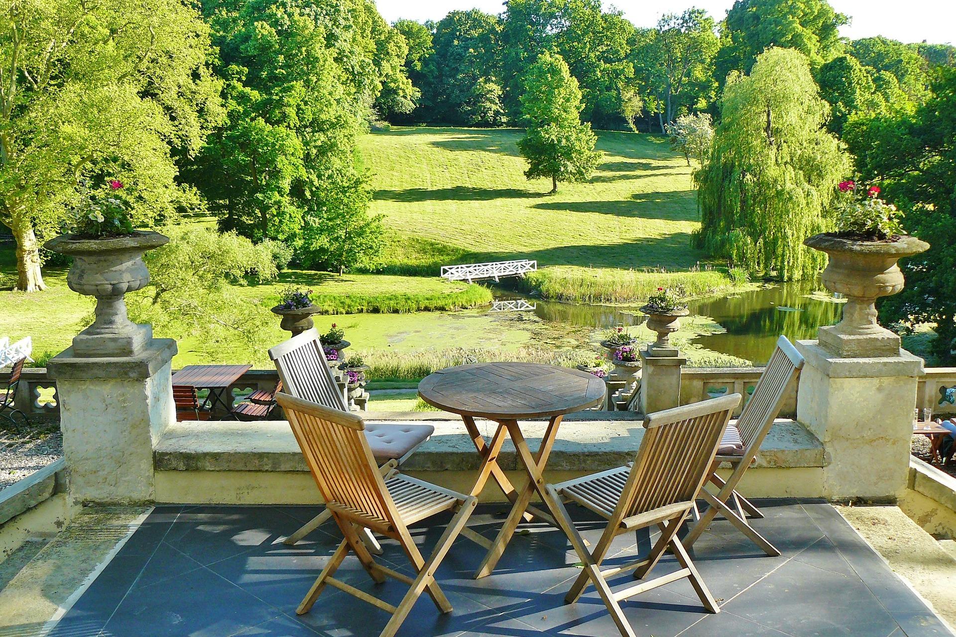 Ideas para decorar terrazas para alojamientos turísticos